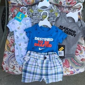 Lot of baby boy 👶 🍼 clothes onesies